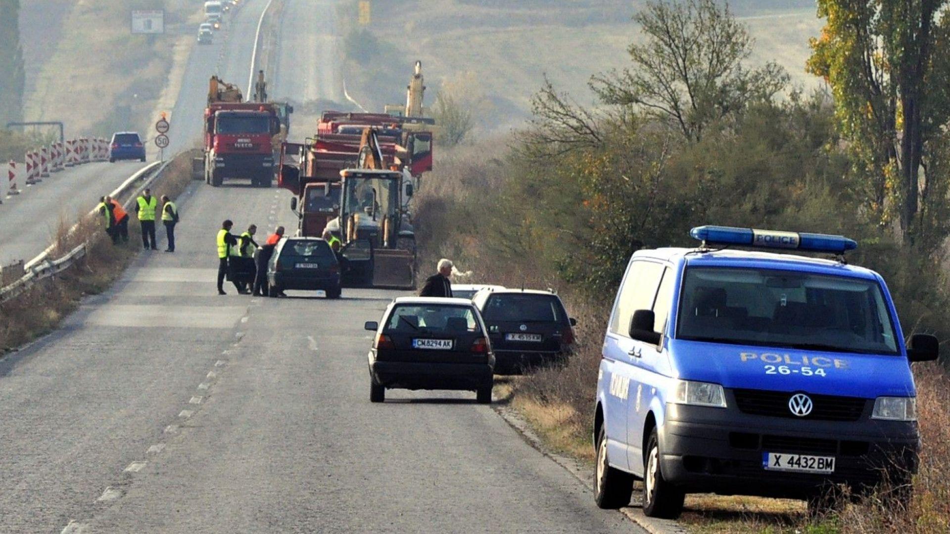 Пътен работник е починал при катастрофа на ремонтираща се отсечка
