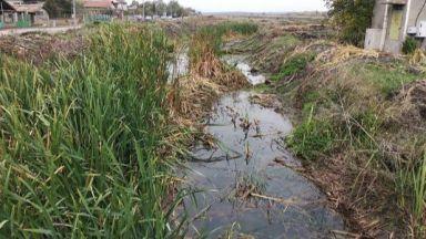 Непочистени дерета тревожат хората в Камено година след наводненията