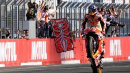 Шампионът Маркес се връща на пистата само дни след операция?