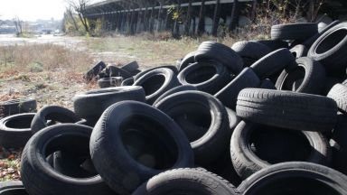 В София откриват гробища за стари гуми