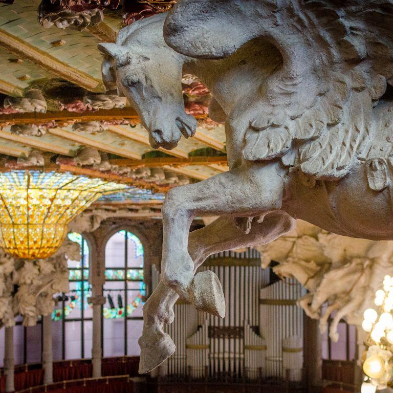 Дворецът на музиката в Барселона - шедьовър на каталунския модернизъм (видео)