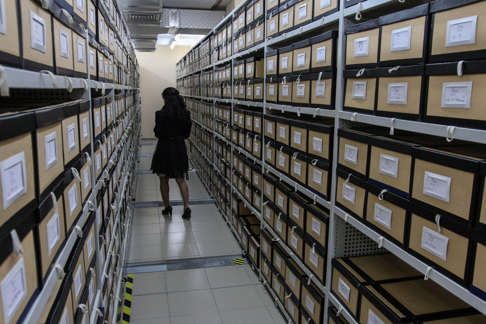 На 15 км е изчислена дължината на хартиените документи