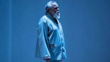 """Владо Пенев чества юбилей с премиерата на """"Бащата"""""""