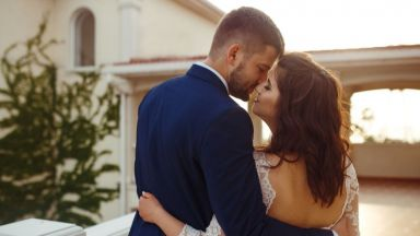 Жените с по-малко сексуални партньори са по-щастливи в брака