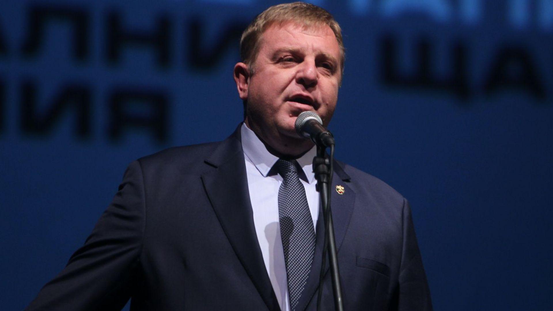 Каракачанов: Ще се гръмна, ако се докаже, че съм вземал пари за български паспорти