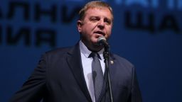 Каракачанов след срещата със Симеонов: Оставка не е решение