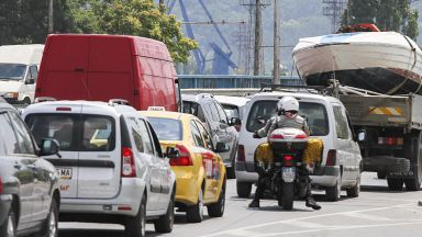 Държавата пресметна: 20 млн. лв. повече в общините от старите коли