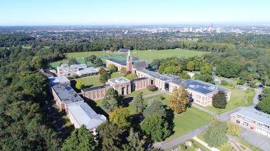 Водещи европейски училища за средно образование пристигат в България