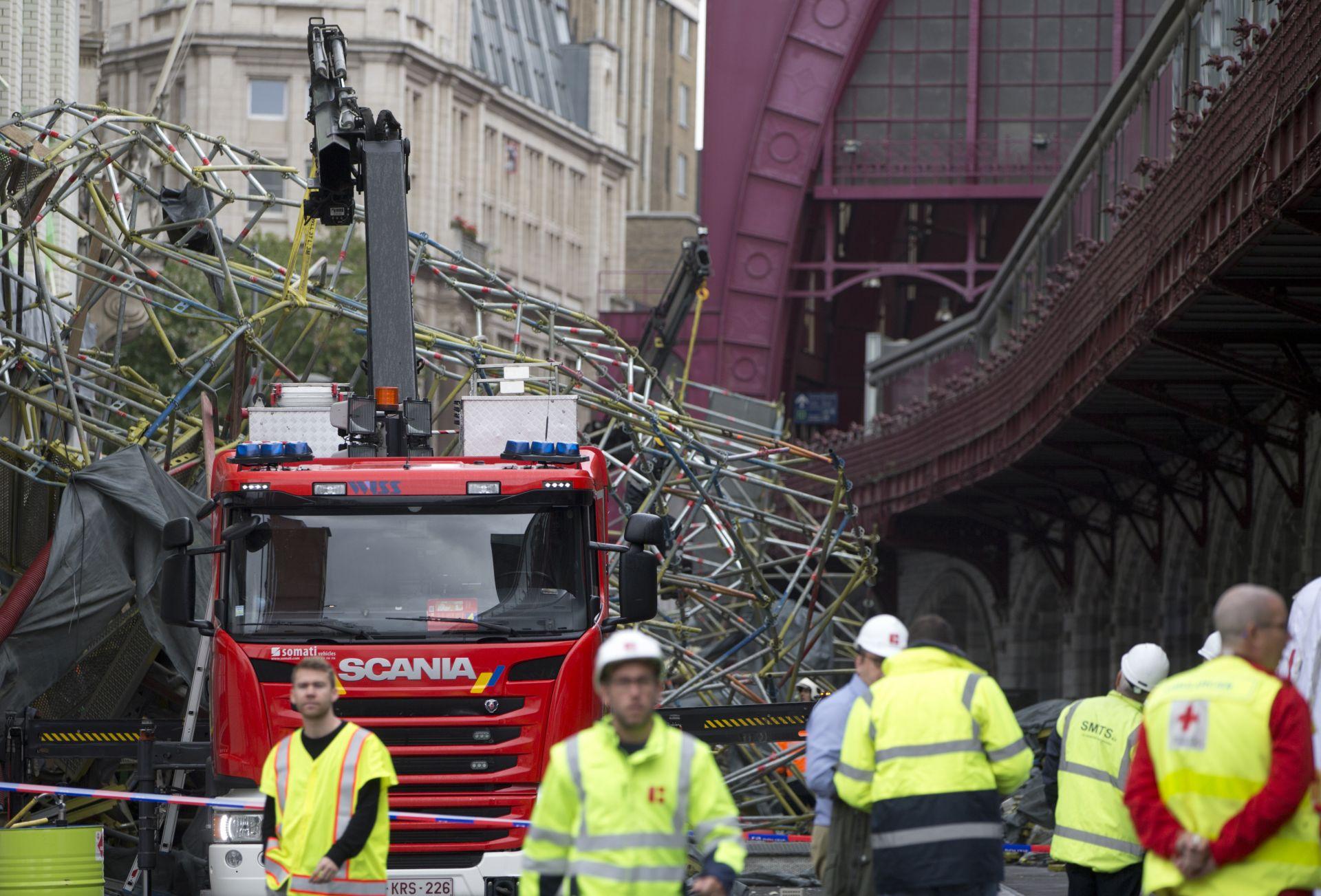 Спасителни екипи на мястото на инцидента