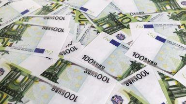 ЕС отпуска първи транш от 100 милиарда евро, за да работим по-малко
