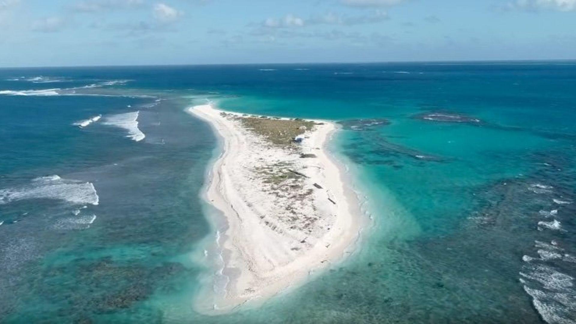 Хавайски остров изчезна след ураган (видео)