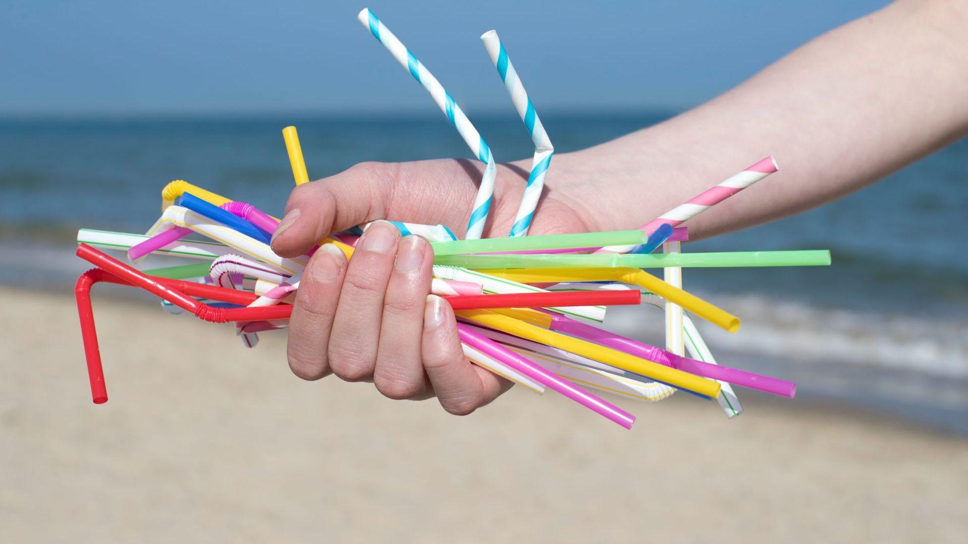 Брюксел забрани пластмасовите изделия за еднократна употреба