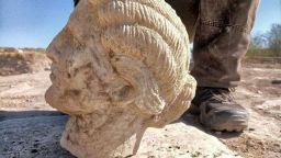 Археолози откриха и глава на статуя в Хераклея Синтика