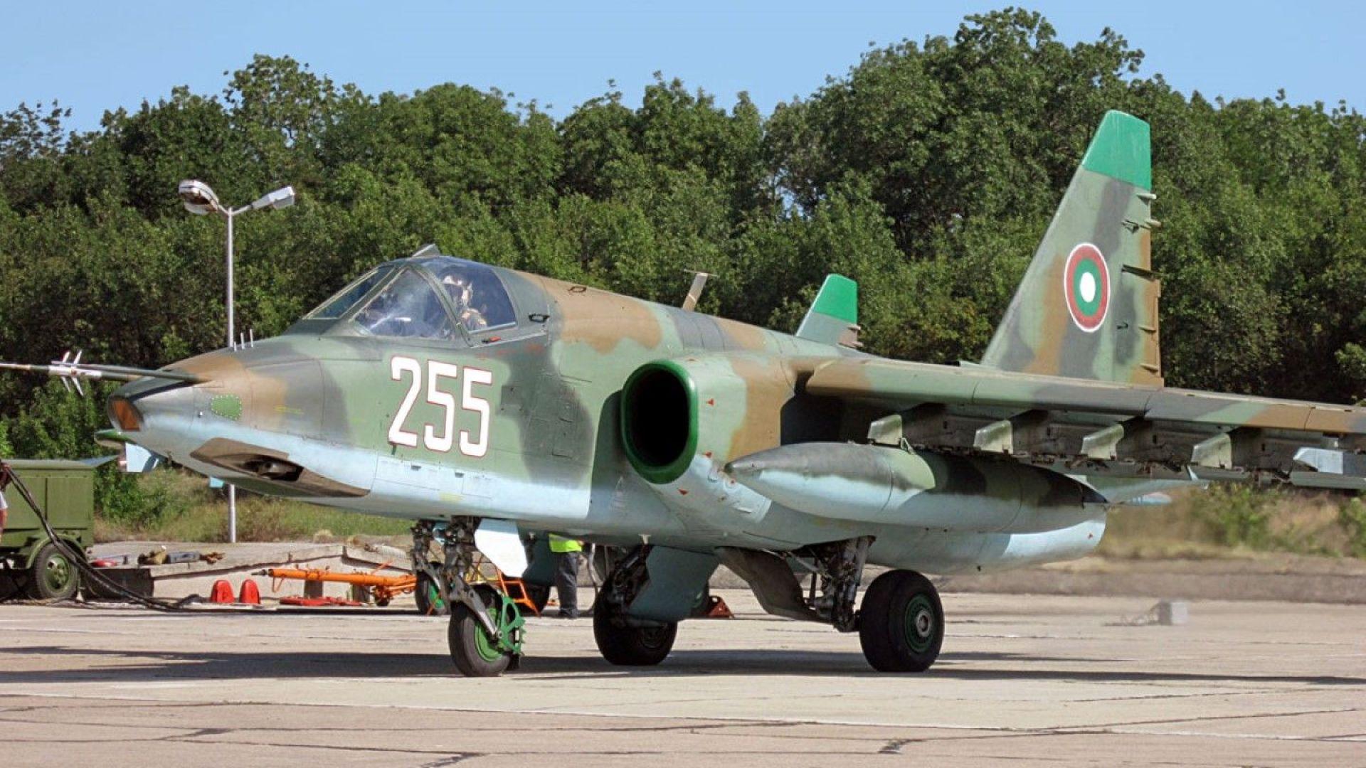 МО: Ремонтът на самолети Су-25 няма да е на стойност 310 милиона лв.