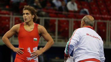 Тайбе Юсеин разби шампионката на Азия на старта на Световното