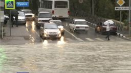 Катастрофални наводнения в Южна Русия (видео)