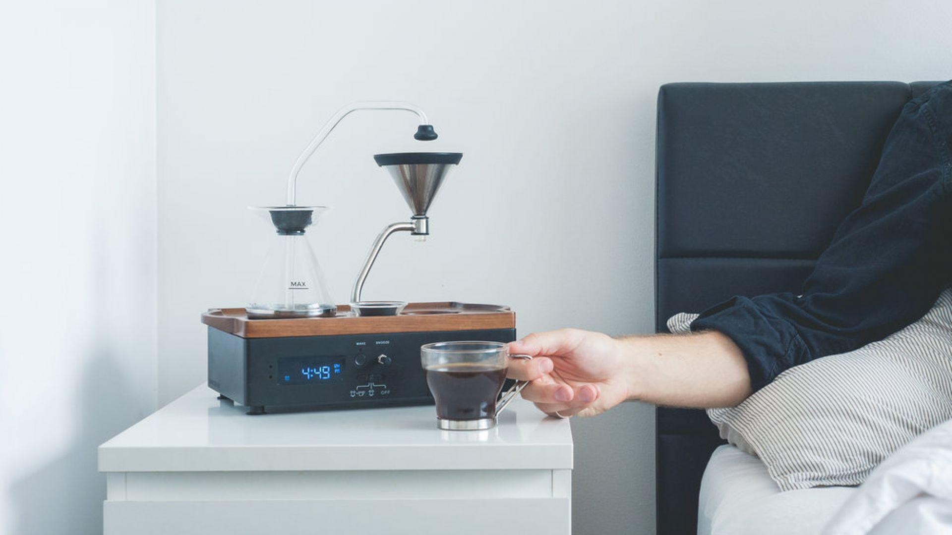 Алармен часовник, който сервира кафе – има ли по-умно изобретение?