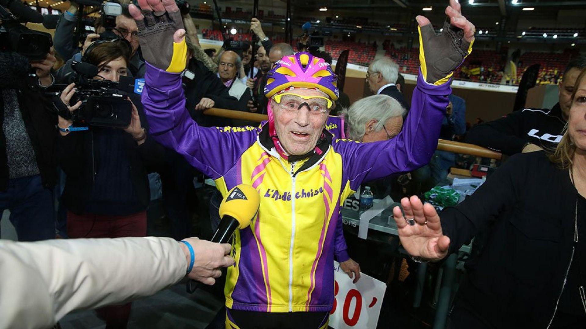 106-годишен шампион се върна на пистата (видео)