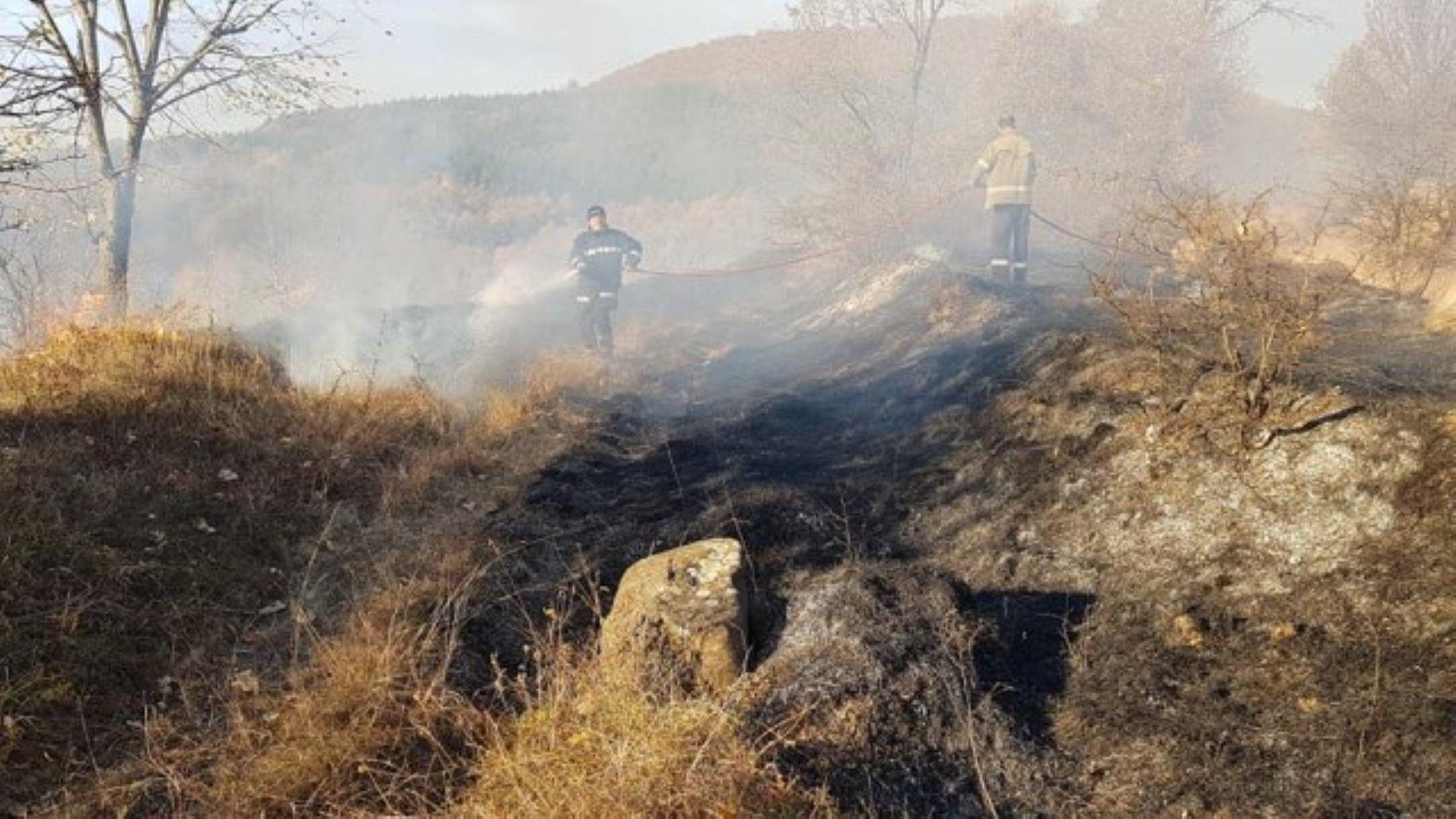 Голям пожар избухна на границата ни със Северна Македония