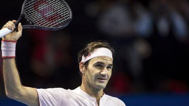 Федерер по навик грабна трофея в родния си Базел