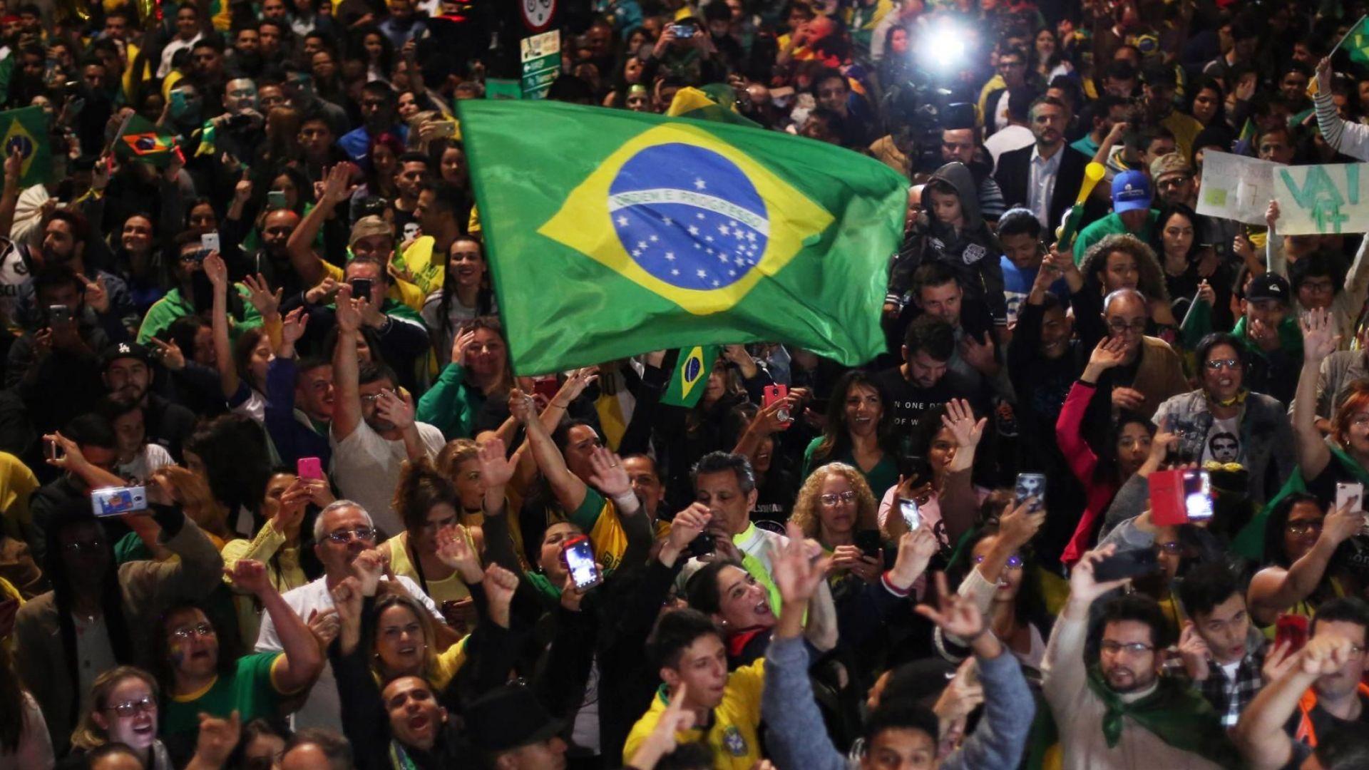 Бразилия избра за президент крайнодесния Жаир Болсонаро