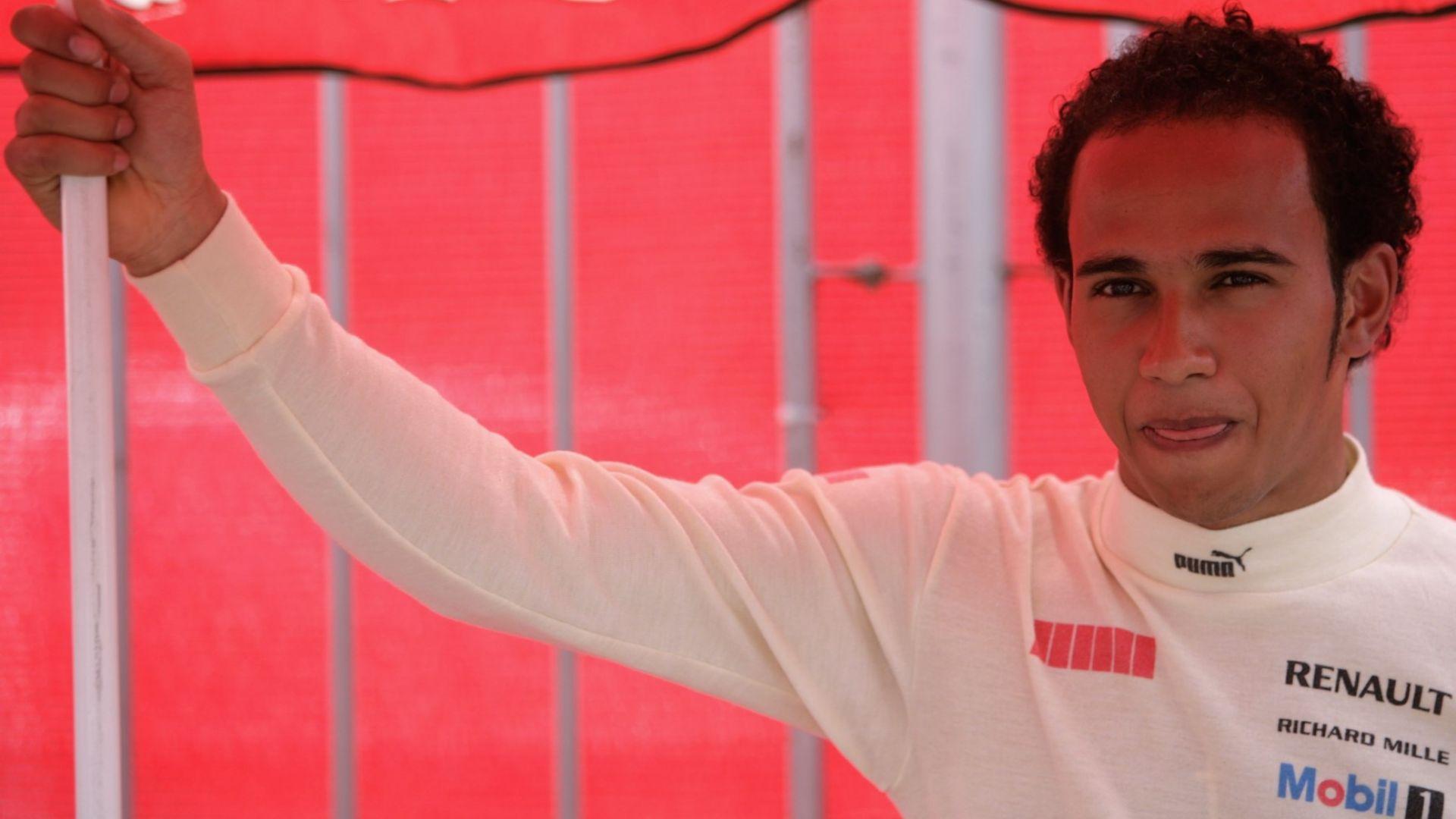 Наказание прати Хамилтън назад за старта в Австрия