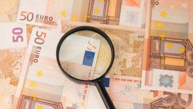 Еврото поевтиня след новината за Меркел