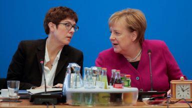 Буря в ХДС след Меркел: Дискредитирана ли е АКК?