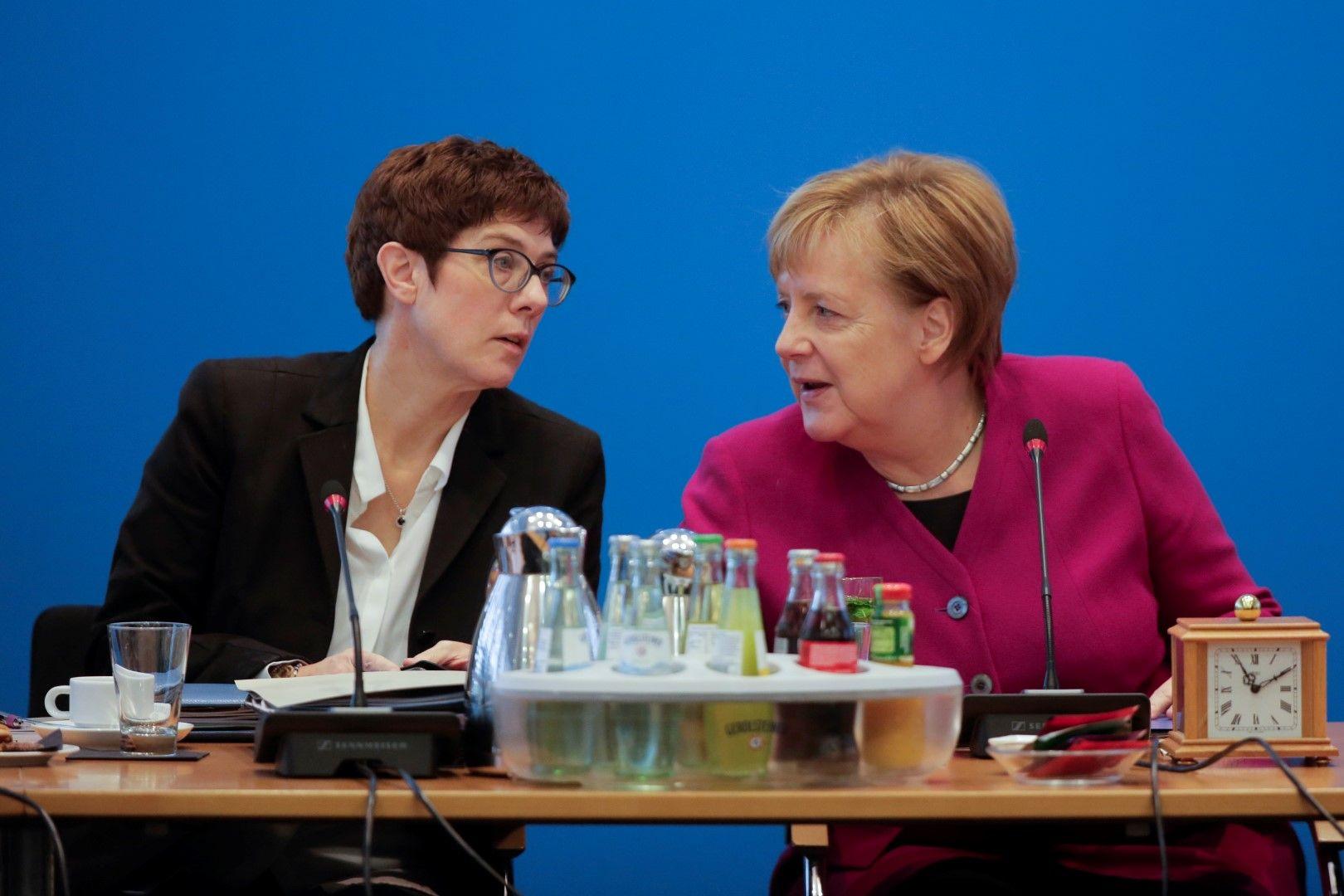 Генералният секретар на ХДС Анегрет Крамп-Каренбауер може да наследи Ангела Меркел на поста председател, а в бъдеще и канцлерския