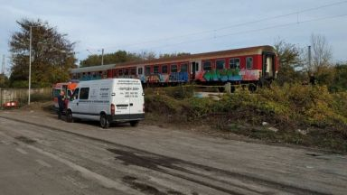 Прегазеното дете не чуло влака заради шум от ремонт (видео)