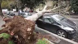Вая носи жертви и катастрофални наводнения в Италия (видео)