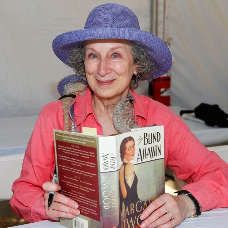 """Маргарет Атууд – жената, която създаде """"Историята на прислужницата"""""""