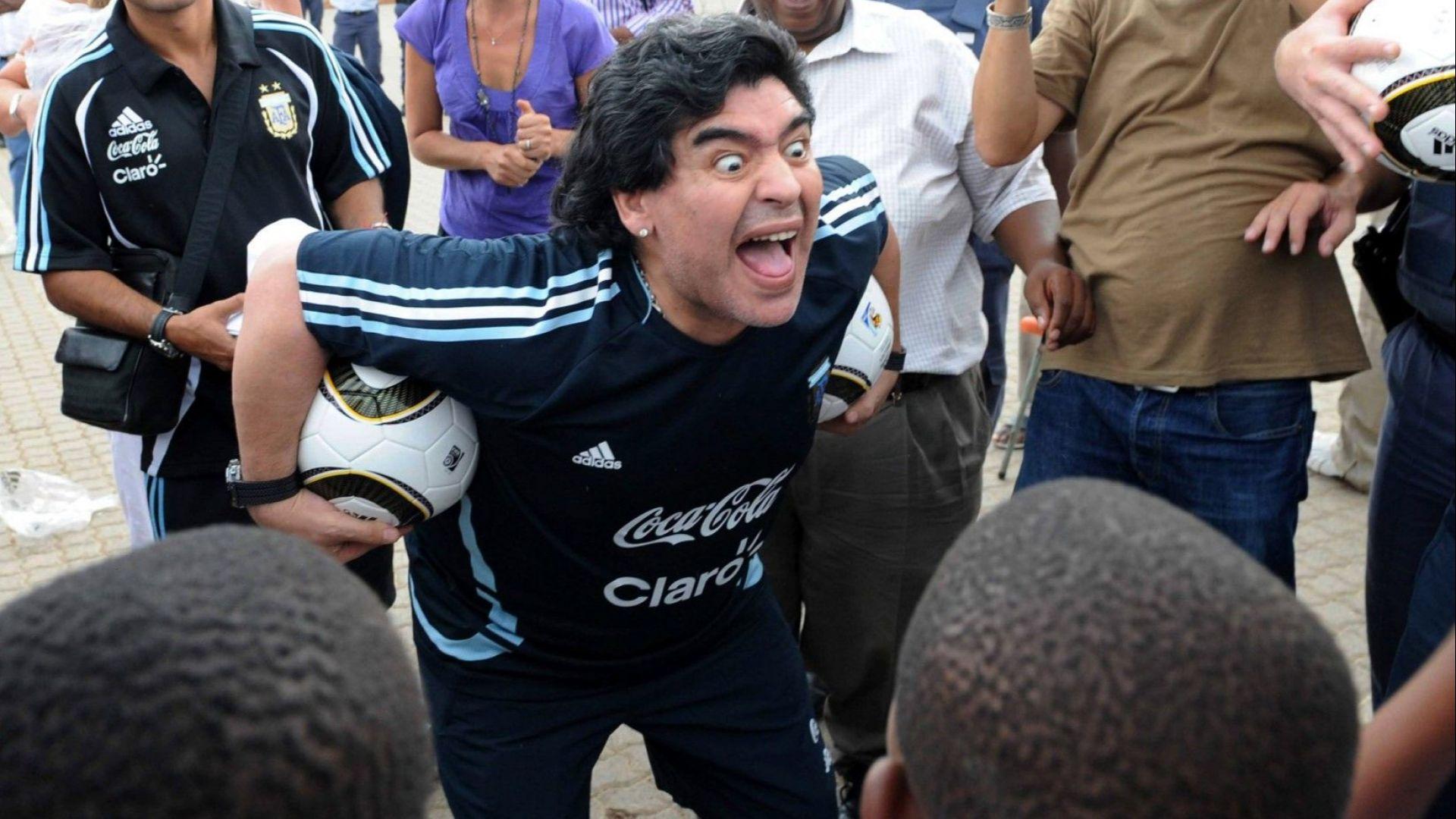 Марадона зове от Мексико: Дайте купата на Бока Хуниорс без игра
