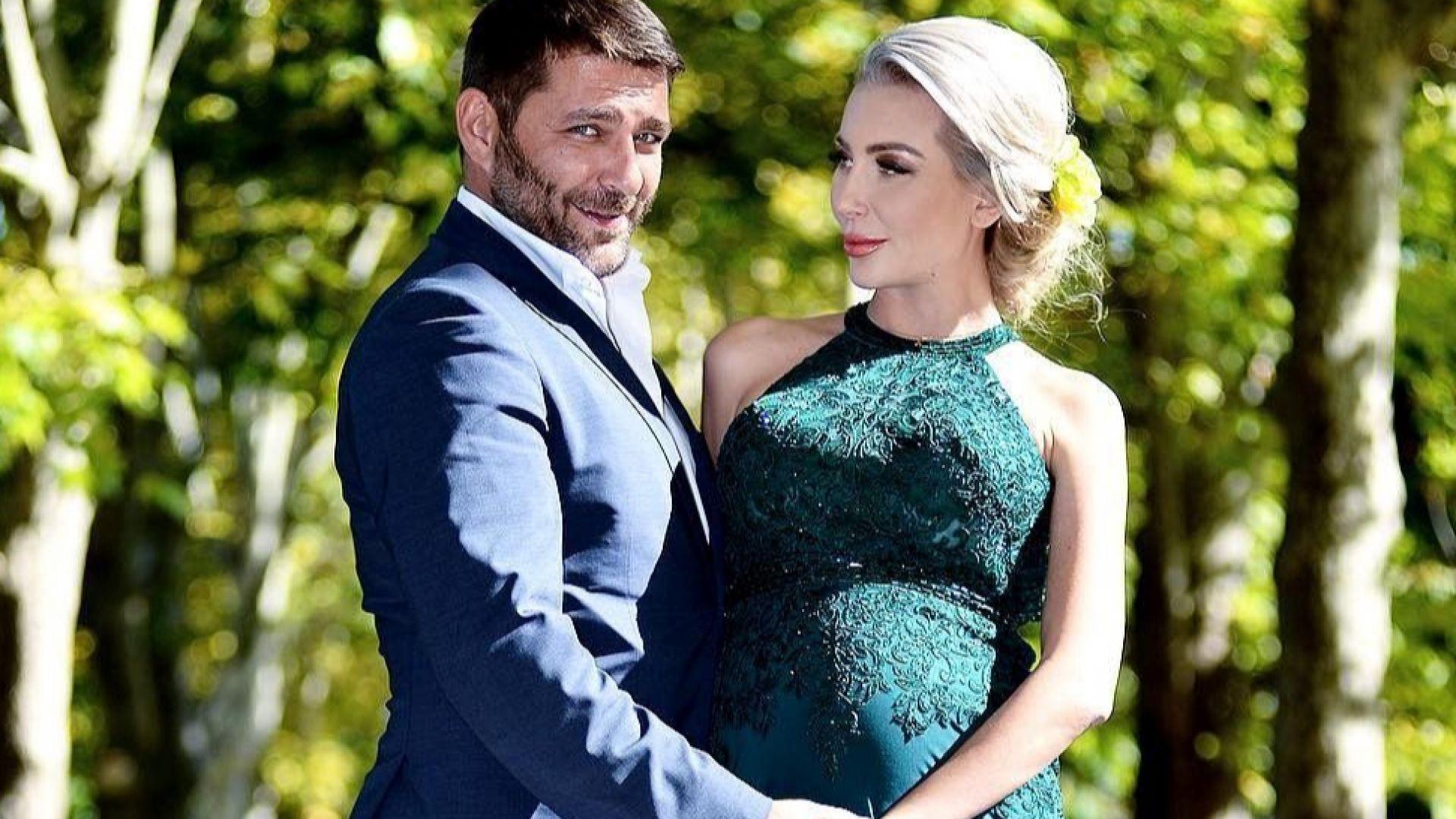 Бременната Антония позира до съпруга си за романтична фотосесия