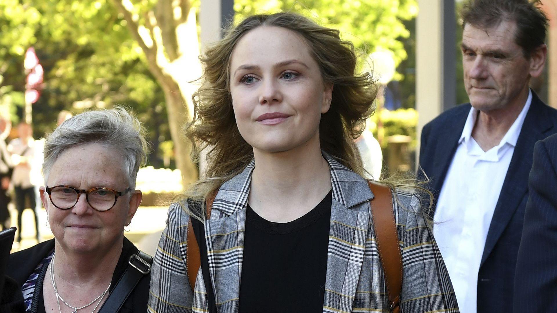 Актриса описа подробно как Джефри Ръш се възползвал от нея