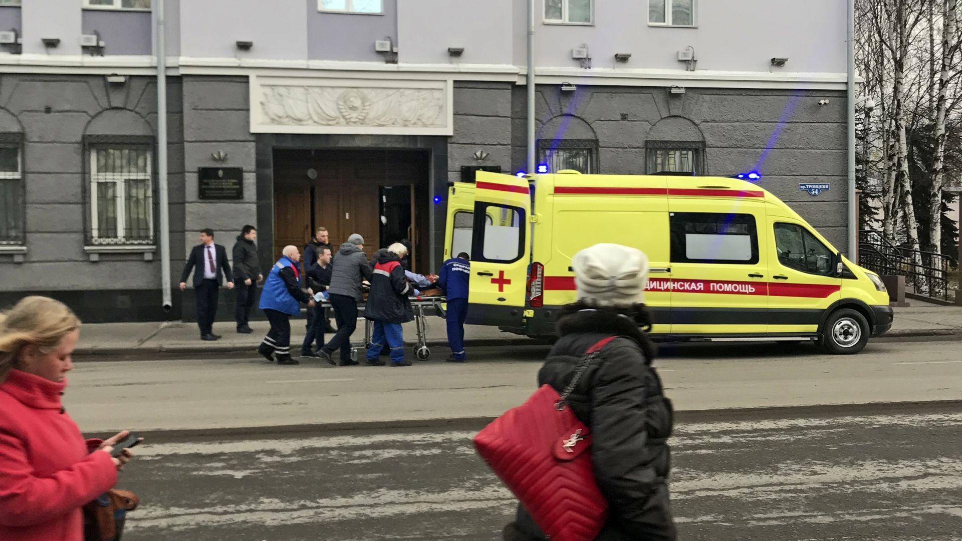 17-годишен се взриви в сграда на Федерална служба за сигурност в Архангелск (видео)