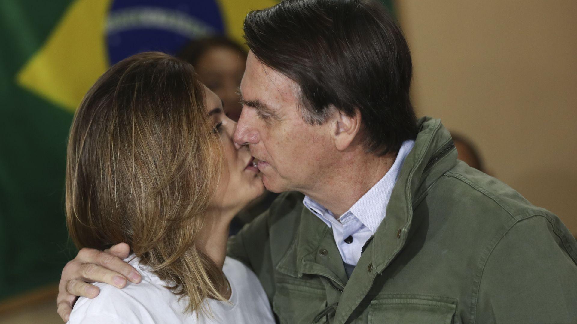 Новата първа дама на Бразилия  —  дискретна и силно религиозна