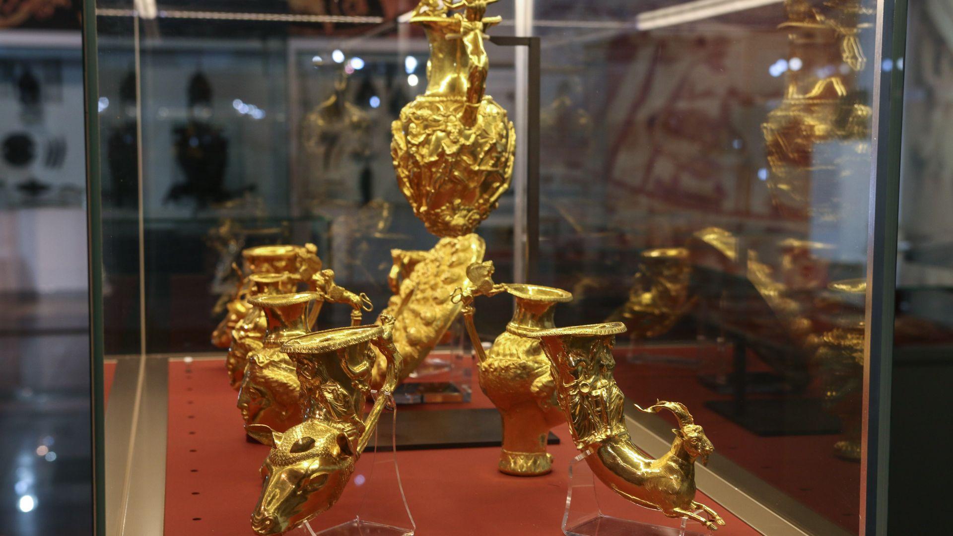 Институциите категорични: Няма задържано копие на Панагюрското съкровище в Дубай