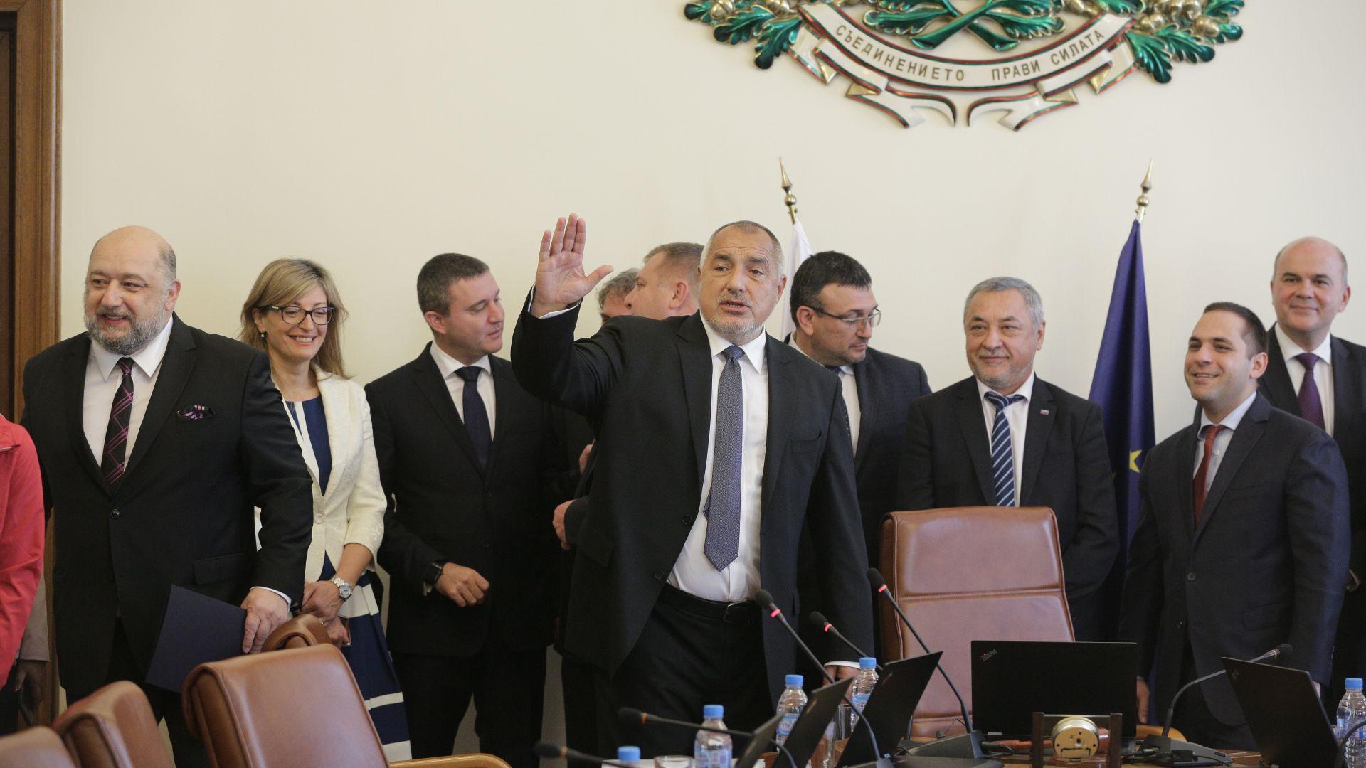 Кабинетът одобри инфраструктурни проекти на общини