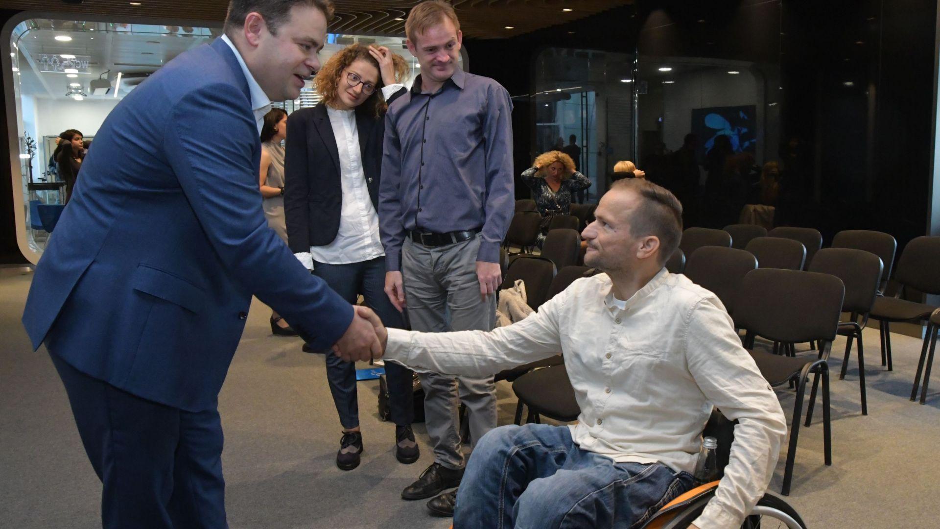 Теленор посреща четирима нови служители по програмата за хора с  увреждания Open Mind