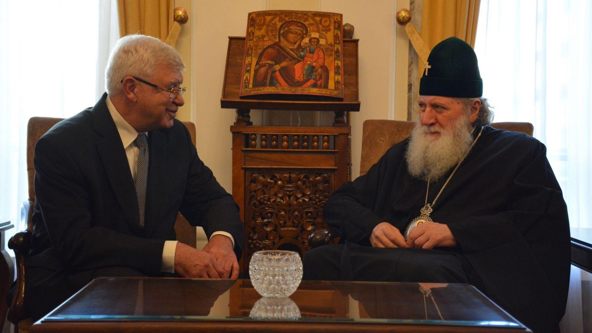 Министър Ананиев се надява църквата да подкрепи донорството