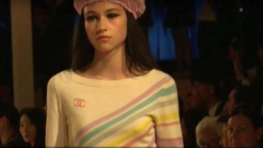 Бел Хинова дефилира за Chanel и в Банкок