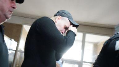 Неправоспособният шофьор, причинил смъртта на балетиста, остава в ареста