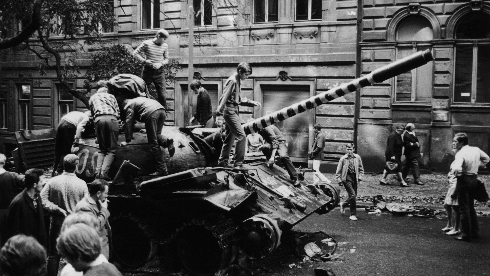 Историци търсят българи, станали очевидци на Пражката пролет