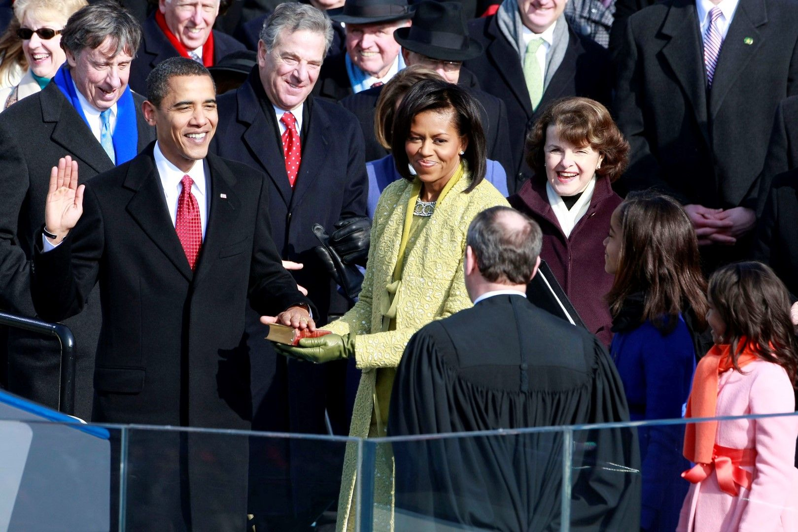 Барак Обама положи клетва пред Джон Робъртс, председател на Върховния съд на САЩ
