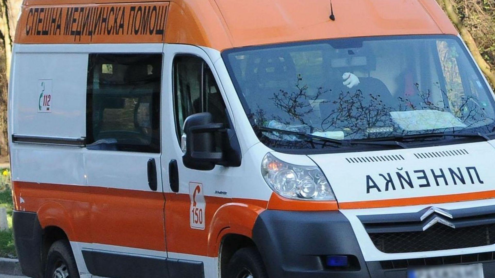 Пиян шофьор катастрофира с линейка в Пловдив
