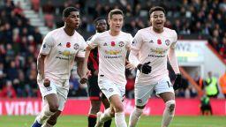 След куп пропуски Юнайтед изкопчи победата в шоу на южния бряг