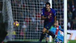Късен обрат спаси Барселона в Мадрид