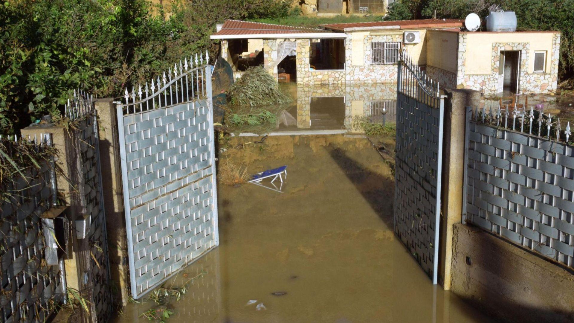 29 са вече жертвите на бурите и пороите в Италия