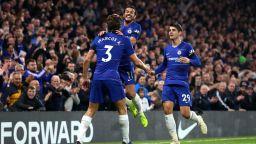 Испанско трио блести за Челси